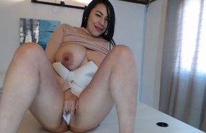 Big milk cans japanese tugging in her..