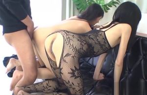 Slender black-haired cutie gets..