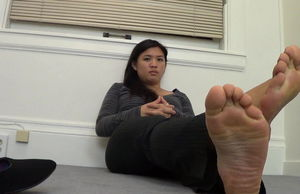 Foot Taunt 1