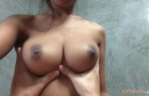 Big-titted Thai gf gives the  head