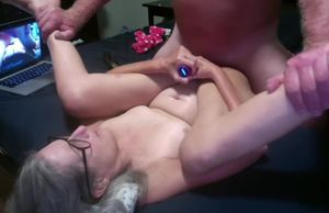 Super hot Mummy Gets Banged On Her..