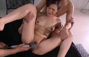 Pleasuring japanese Mummy is  her..