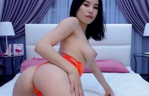 Adorable japanese wanking on her cam